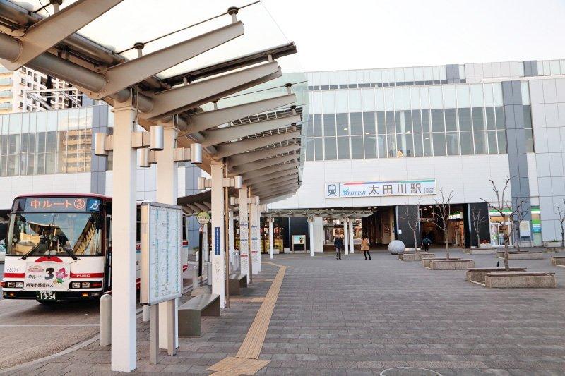 「太田川」駅前バスロータリーの様子