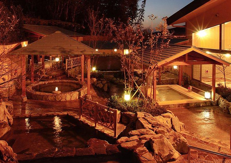 楽しい露天風呂がある「天然温泉みどり楽の湯」